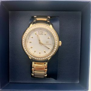 Tommy Hilfiger Silver Dial Gold-tone Ladies Watch